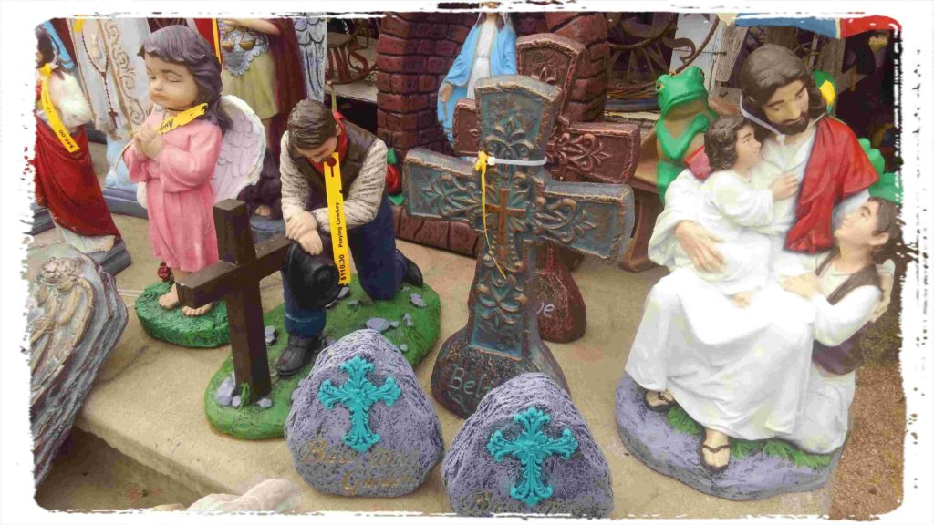 Religious painted statues in beautiful colors!