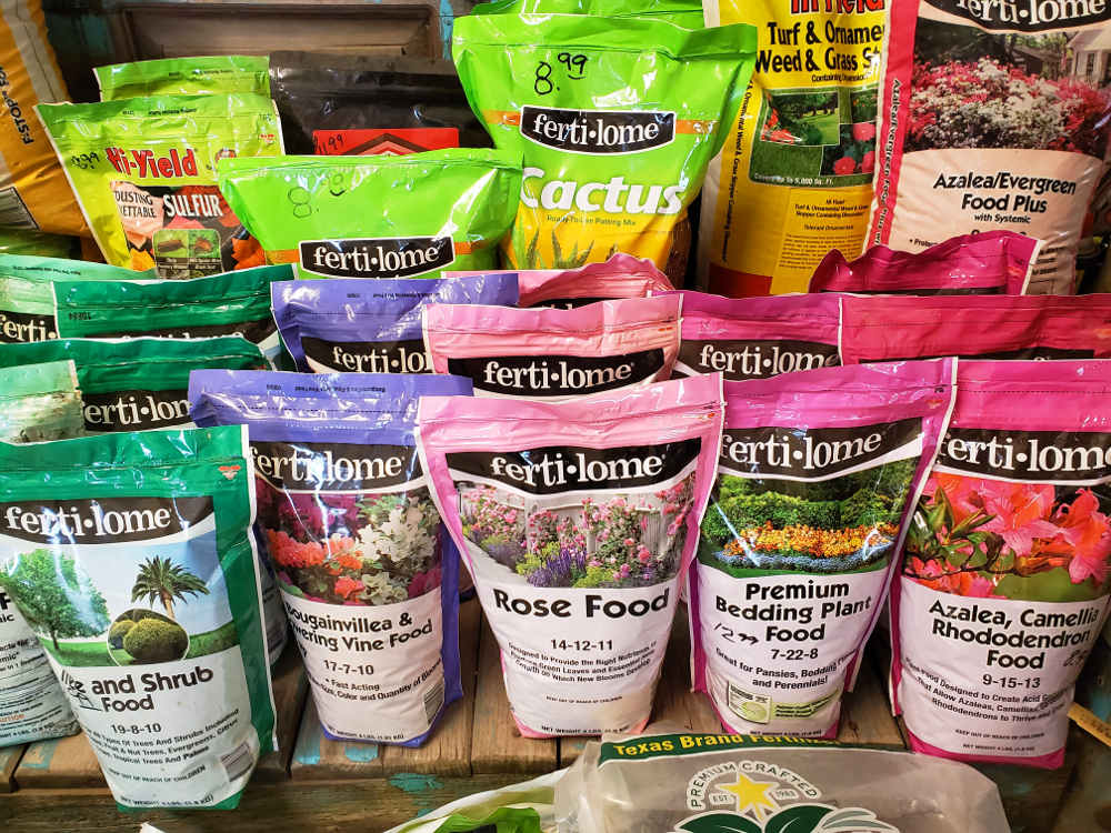 Ferti-lome fertilizers and soil amendments including Rose Food 14-12-11, Bougainvillea & Flowering Vine Food 17-7-10, Tree and Shrub Food 19-8-10, Dusting Wettable Sulfur and more.