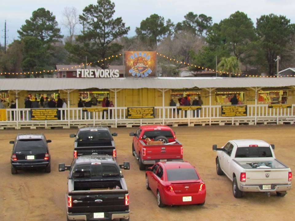 Fireworks store at Madison Gardens Nursery! Happy customers getting fireworks, firecrackers, missiles, rockets, 500g cakes and more!